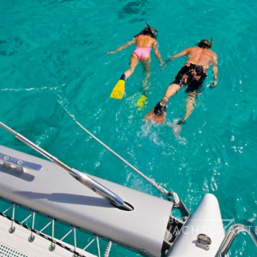 bvi-snorkel-on-yacht-charter-vacation-longest-reef-in-the-caribbean-snorkeling-barrier-reef