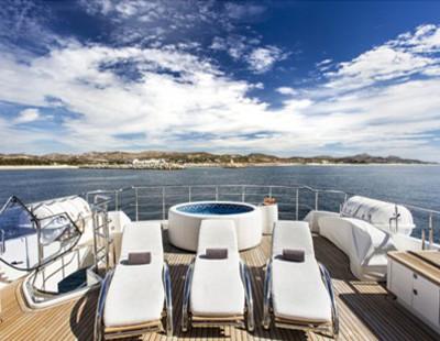 Komokwa-Luxury-Mega-Yacht-3