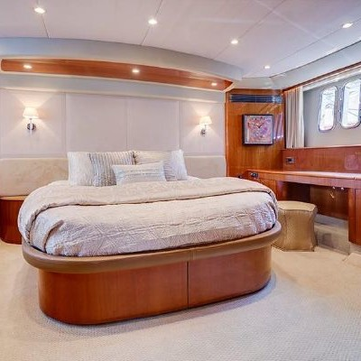 70' Viking Luxury Yacht 18