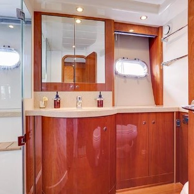 70' Viking Luxury Yacht 19