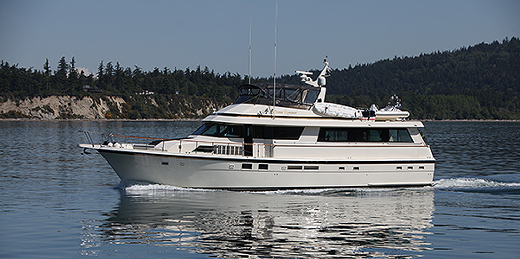 70-hatteras-luxury-yacht